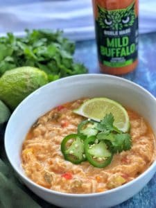 This buffalo chicken chili marries the flavor of chicken wings with a hearty and healthy meal that all will love. #chili #buffalo #keto