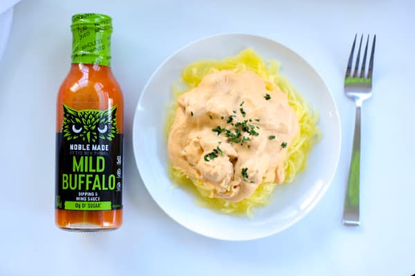 This dairy free buffalo Alfredo sauce is the perfect way to get a creamy sauce that is vegan and void of dairy thanks to its base of cashews.  This recipe can be used as part of a low carb, paleo, whole30 or dairy free way of eating.